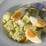 Ensalada de patata y huevo a la mostaza