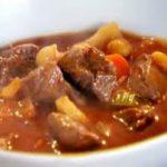 Estofado de carne de cerdo y verduras