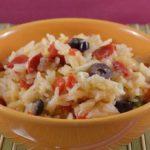 Ensalada de arroz con pimientos y requesón