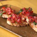 Crostini de tomate y mozzarella
