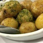 Patatas a la mantequilla con hierbas aromáticas