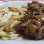 Estofado de carne con champiñones