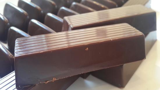 Barritas de turrón y chocolate