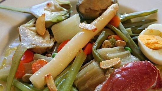 Menestra de verduras con aguja de cerdo