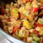Pollo salteado picante con patatas